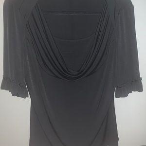 Black Quarter Sleeve Top! MAKE AN OFFER ❤️❤️